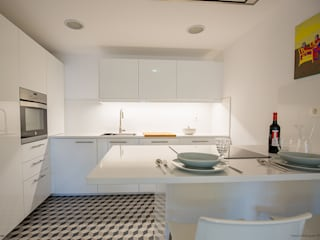 Cucina in stile in stile Moderno di Pia Estudi