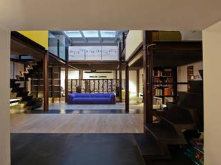 Loft a Roma Soggiorno in stile industriale di ibedi laboratorio di architettura Industrial