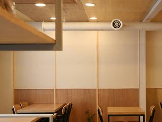 <신수동 주택리모델링>: marcil studio의  주택