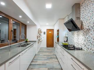 Grupo E Arquitectura y construcción Dapur Modern Blue