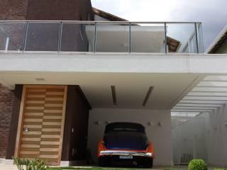 Residência Fazenda da Serra 2: Casas  por Monica Guerra Arquitetura e Interiores