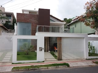Casas modernas: Ideas, diseños y decoración de Monica Guerra Arquitetura e Interiores Moderno