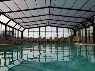 Centro Termal con piscina cubierta. Hoteles de estilo moderno de COVERTTO Moderno