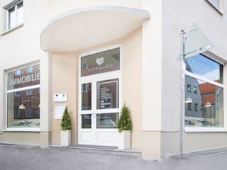WOHNGLUECK GmbH (Immobilien) Offices & stores