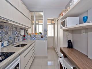 Cocinas de estilo  por Kris Bristot Arquitetura