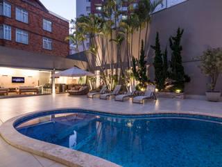 Pool by Andréa Buratto Arquitetura & Decoração