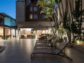 Albercas de estilo  por Andréa Buratto Arquitetura & Decoração