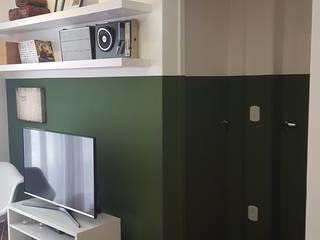 Apartamento TBO: Salas de estar  por Arkete Arquitetura e Sustentabilidade
