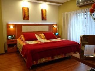 Dormitorio Dormitorios modernos: Ideas, imágenes y decoración de Himis, Habis y Haim Moderno