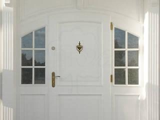 Drzwi wejściowe łukowe od Stolarka Mikos Skandynawski