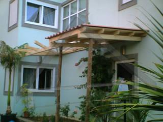 Terrasse de style  par Atiwood S.L.