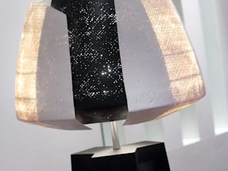 Treepod- Tulp Black: modern  door Marco Tabak, Modern