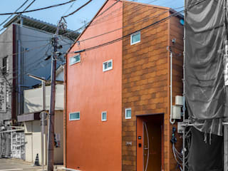 自然素材のリノベーション・アパートメント l東京都北区十条l 株式会社小木野貴光アトリエ 級建築士事務所 狭小住宅 スレート オレンジ