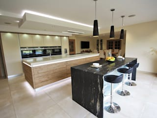Wickham Bishops, Witham Modern style kitchen by Kitchencraft Modern