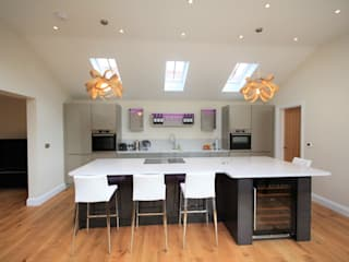 Great Bardfield, Essex Modern style kitchen by Kitchencraft Modern