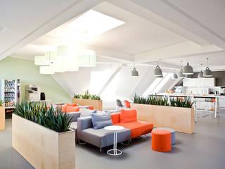 Office Lounge Leuchten Moderne Geschäftsräume & Stores von lucere Modern