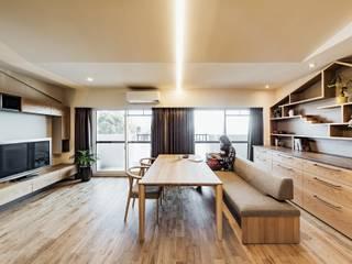 Moderne Wohnzimmer von 株式会社seki.design Modern