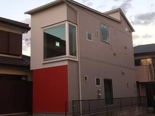 KT&M house モダンな 家 の 8gi・studio モダン