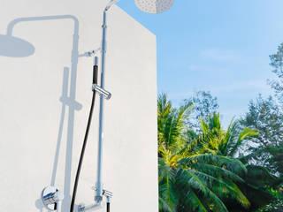 Gartenwandduschen im neuen Design: modern  von Fontealta,Modern