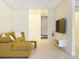 Modern Living Room by Flatsdesign Modern