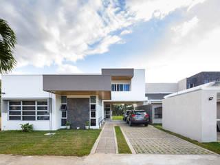 Fachada principal : Casas de estilo  de J-M arquitectura