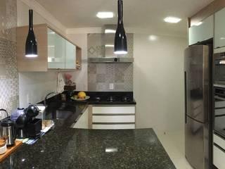 Cocinas de estilo moderno de Camila Danubia Arquitetura Moderno