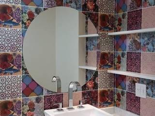 Baños de estilo moderno de Camila Danubia Arquitetura Moderno
