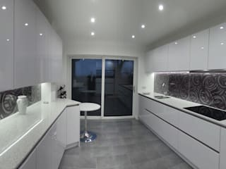 Keller White Gloss handle-less kitchen Modern kitchen by Think Kitchen and Bathroom Ltd Modern