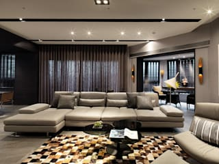 Ruang Keluarga Gaya Asia Oleh 白金里居 空間設計 Asia
