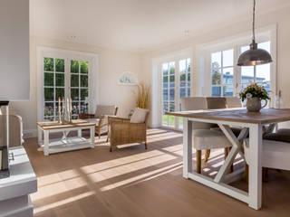 Salones de estilo  de Home Staging Sylt GmbH
