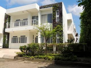 JARDINES VERTICALES Paredes y pisos de estilo moderno de Elementum Arquitectos SAS Moderno