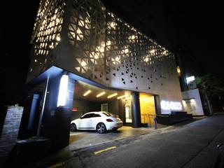 BLS 클리닉 모던 스타일 병원 by (주)인투익스 모던