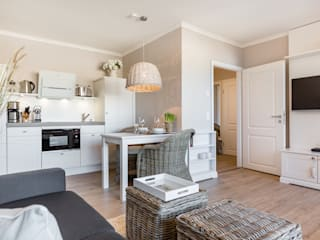 por Home Staging Sylt GmbH, Moderno