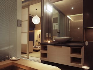 鼎爵室內裝修設計工程有限公司 Minimalist style bathroom Solid Wood Brown