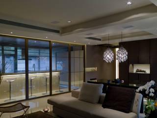 住宅(低調 奢華) 現代廚房設計點子、靈感&圖片 根據 鼎爵室內裝修設計工程有限公司 現代風