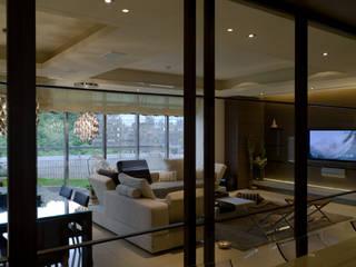 住宅(低調 奢華) 鼎爵室內裝修設計工程有限公司 现代客厅設計點子、靈感 & 圖片 合板 Brown