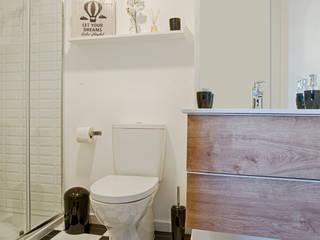 Instalação Sanitária Casas de banho escandinavas por homify Escandinavo