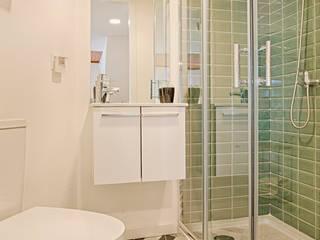 Instalação Sanitária: Casas de banho escandinavas por menta, creative architecture