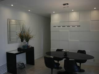 Sala de Jantar - Barra Sky: Salas de jantar  por Eunice Oliveira Arquitetura e Interiores