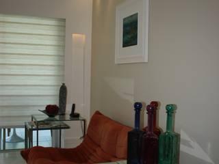 Sala de Jantar - Barra Sky: Salas de estar  por Eunice Oliveira Arquitetura e Interiores