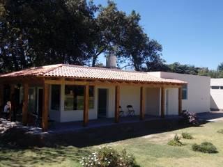 taller garcia arquitectura integral Wiejskie domy