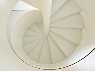 Cappelletti Architetti Modern corridor, hallway & stairs Iron/Steel White