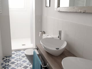 Eclectic style bathrooms by Reformmia Eclectic