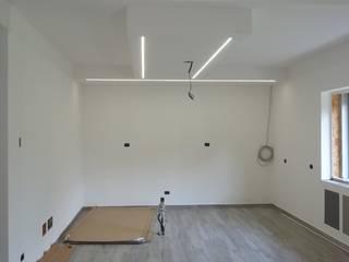 Ristrutturazione e ampliamento: Cucina in stile  di Andrea Magnoni Architetto, Minimalista