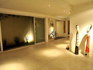 Taller A3 SC Modern corridor, hallway & stairs Concrete White