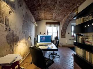 IDEeA, lo Studio di Architettura nel centro storico Complesso d'uffici in stile eclettico di FRANCO Arch. Emanuele - IDEeA Interior Design e Architettura Eclettico
