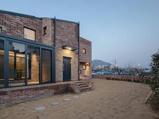 양산주택- 고래의꿈 모던스타일 주택 by (주)건축사사무소 코비 모던