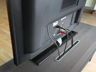 Kabelführungen für Büro- und Funktionsmöbel sorgen für Ordnung! Perfekte Lösungen für jedes Mobiliar:: modern  von Münster Systeme e.K.,Modern