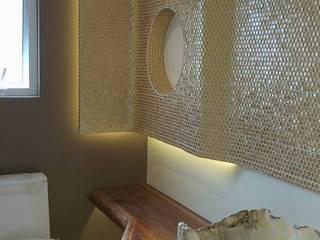 Rosario 15: Baños de estilo  por LVC INTERIORISMO
