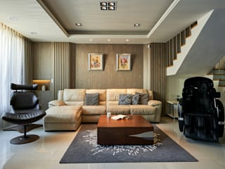 Classic style living room by 世家新室內裝修公司 Classic